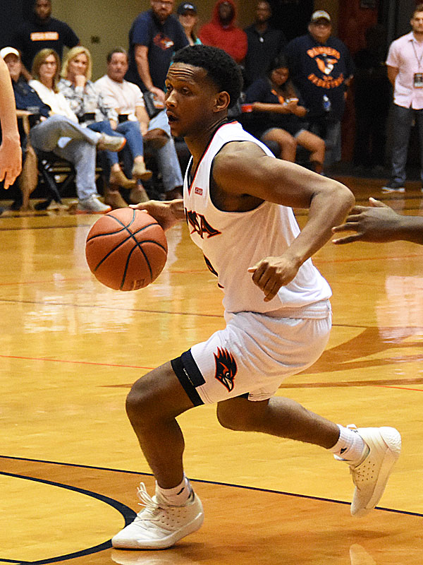 Tamir Bynum and the UTSA Roadrunners @UTSAMBB play at home tonight at 7 p.m. against Oklahoma.