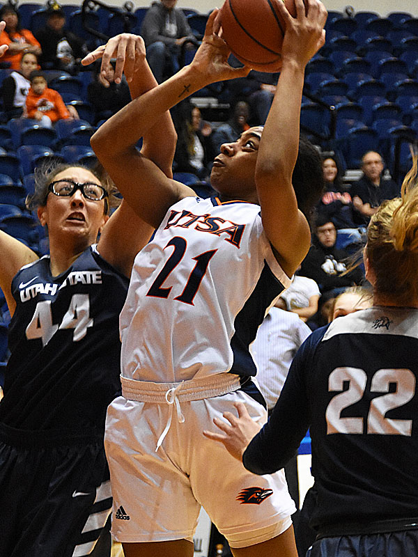 The Utah State women's basketball team beat UTSA 62-56 on Wednesday, Dec. 5, 2018, at the UTSA Convocation Center. - photo by Joe Alexander