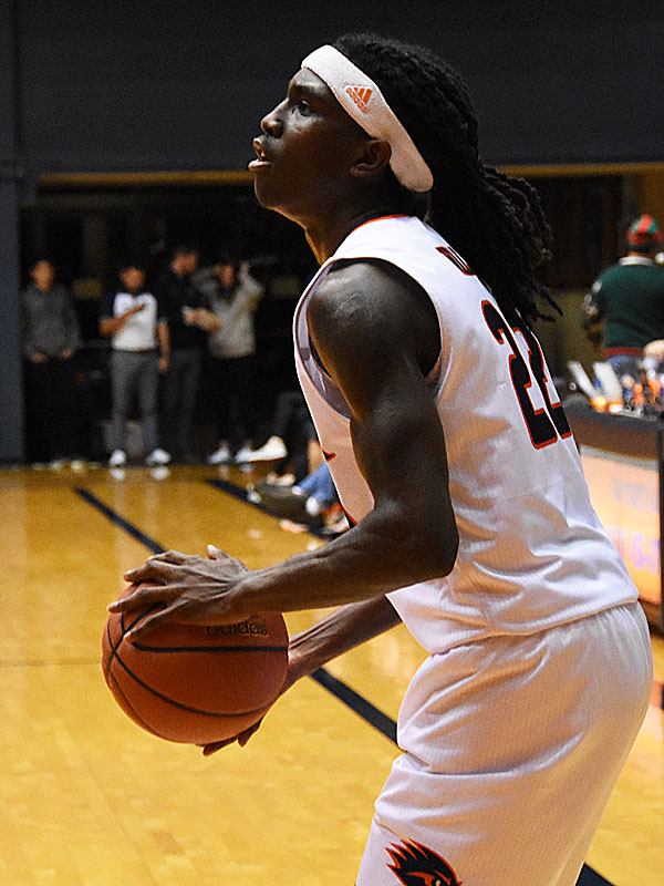UTSA's Keaton Wallace scored 23 points as the Roadrunners beat Bethany 101-77 on Monday, Dec. 17, 2018, at the UTSA Convocation Center.