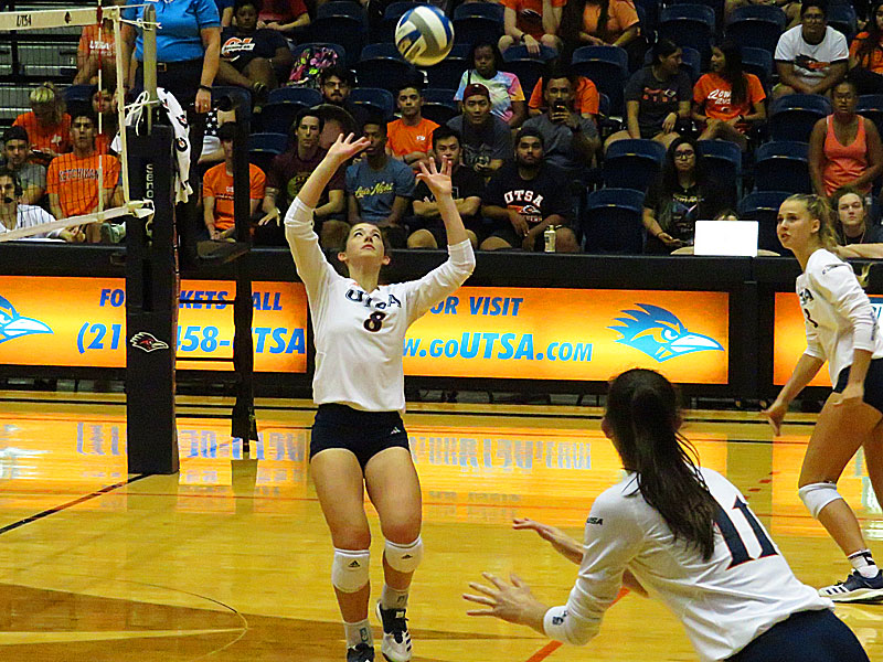 UTSA's Courtney Walters (8) sets the ball for Hunter Coppola (11). UTSA beat Incarnate Word on Tuesday, Sept. 17, 2019, at the UTSA Convocation Center.
