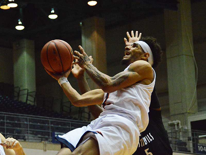 UTSA junior Jhivvan Jackson, playing against Texas A&M International in an exhibition game on Oct. 30, 2019, led the Roadrunners last season with 22.9 points per game. - photo by Joe Alexander