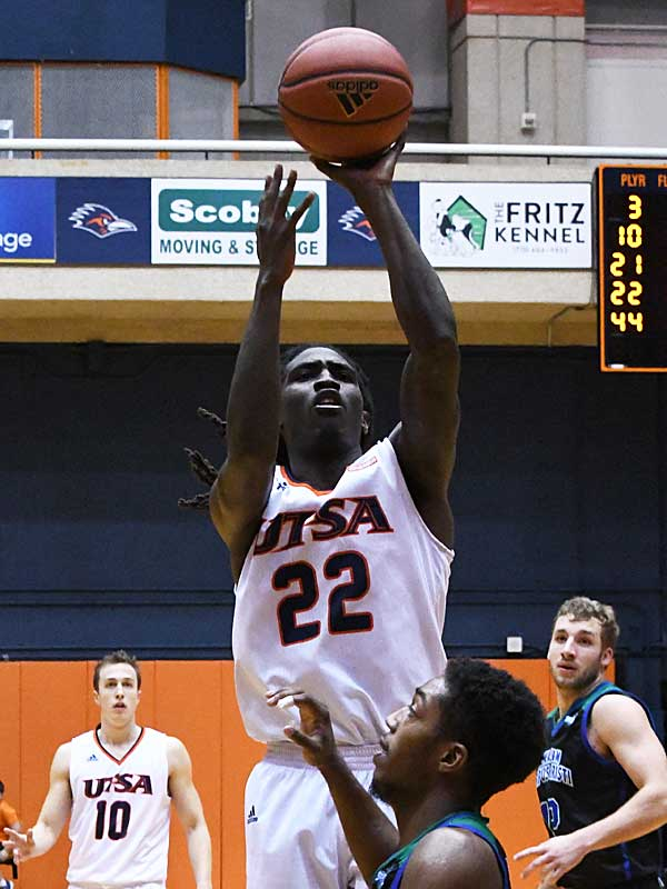 Keaton Wallace had 31 points, 9 rebounds and 5 assists in UTSA's victory over A&M-Corpus Christi on Tuesday at the UTSA Convocation Center. - photo by Joe Alexander