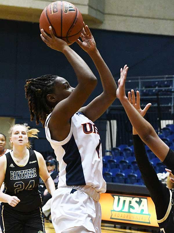 Mikayla Woods. UTSA beat Florida International 60-45 in women's basketball on Saturday at UTSA. - photo by Joe Alexander