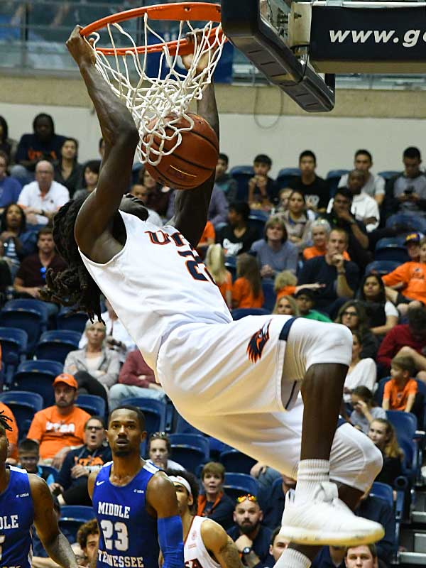 UTSA's Keaton Wallace throws down a dunk at the UTSA Convocation Center on Feb. 1, 2020, against Middle Tennessee. - photo by Joe Alexander