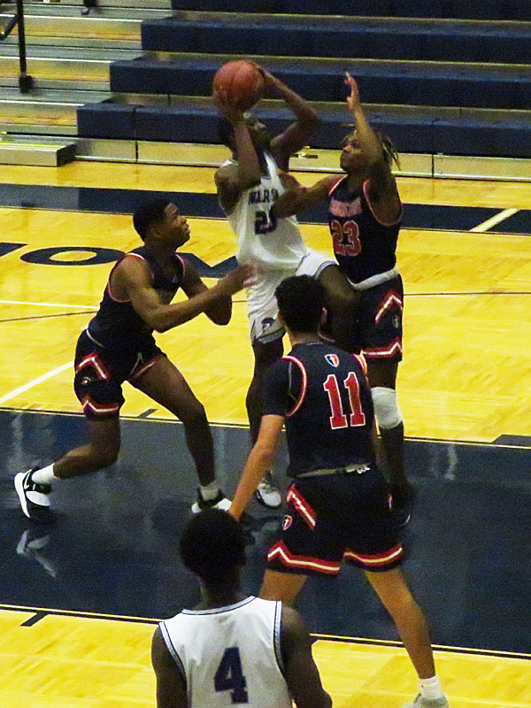 Warren beat Cornerstone Christian 55-48 in boys basketball at Taylor Field House on Monday, Nov. 23 2020. - photo by Joe Alexander
