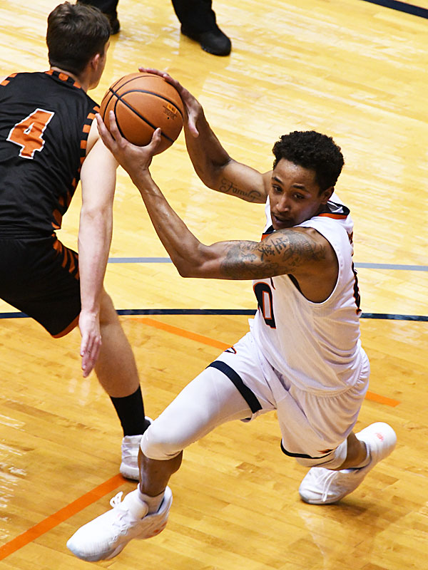 Eric Parrish led UTSA with 20 points in the Roadrunners' season opener against UT Permian Basin on Nov. 27, 2020. - photo by Joe Alexander