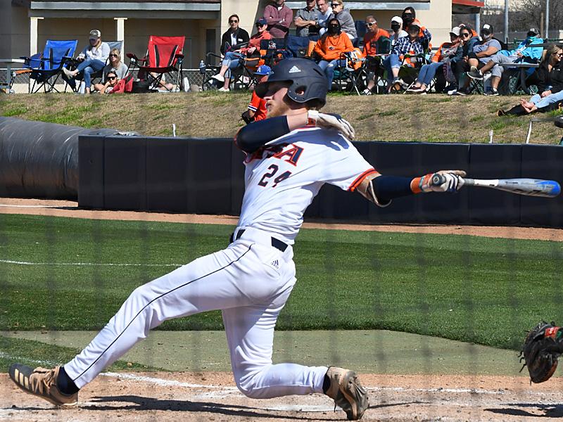 UTSA's Kyle Bergeron batting against UT Arlington on March 7, 2021, at Roadrunner Field. - photo by Joe Alexander