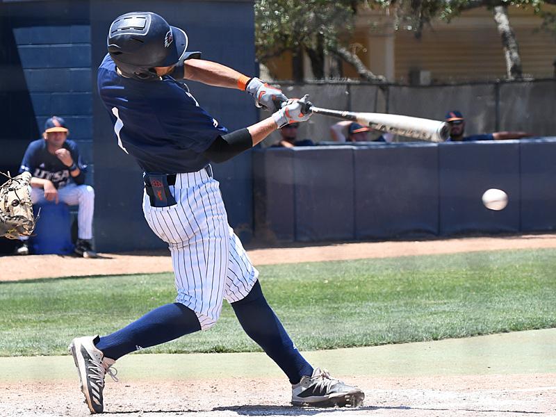 UTSA baseball Jonathan Tapia by Joe Alexander