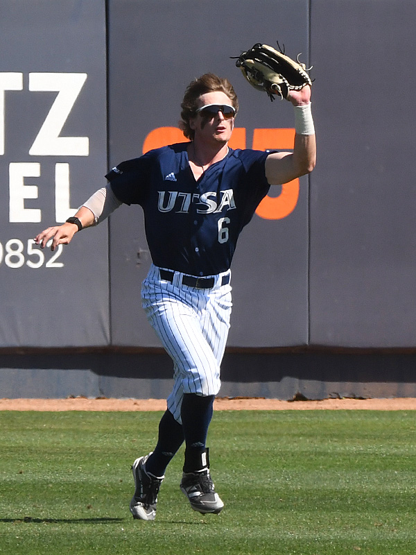 UTSA's Ryan Hunt tracks down a fly ball against Middle Tennessee on April 11, 2021, at Roadrunner Field. - photo by Joe Alexander